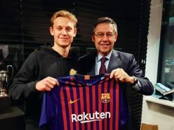 Il Barcellona annuncia De Jong dall'Ajax, EPA