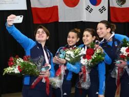 Selfie delle azzurre sul podio di Coppa