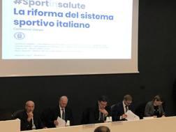 Un'immagine della conferenza all'Acqua Acetosa, al centro il Sottosegretario Giancarlo Giorgetti, 52 anni