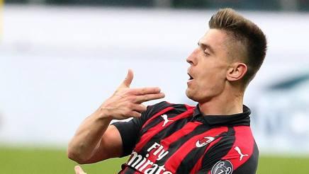 Krzysztof Piatek festeggia il gol al Napoli in Coppa Italia. Ansa
