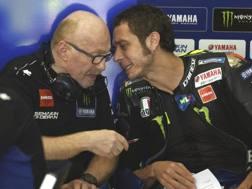 Valentino Rossi con il capotecnico Silvano Galbusera. Ap