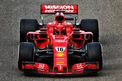 Charles Leclerc, 21 anni, monegasco, ha corso sinora  21 GP con la Sauber-Ferrari, ottenendo 39 punti. Sopra al volante della Ferrari 2018 durante i  test di Abu Dhabi LIVERANI