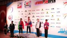 Riccardo Zimmermann sul podio con l'argento