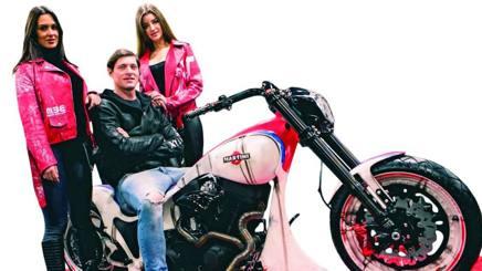 Aldo Montano è un grande appassionato di Harley Davidson.
