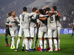 L'esultanza dei giocatori della Juve. Lapresse