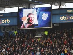 L'omaggio a Sala negli stadi inglesi. Getty