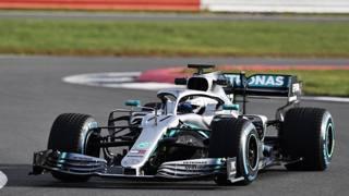 La Mercedes W10 vola già in pista