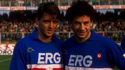 Roberto mancini e Gianluca Vialli con la maglia della Samp.