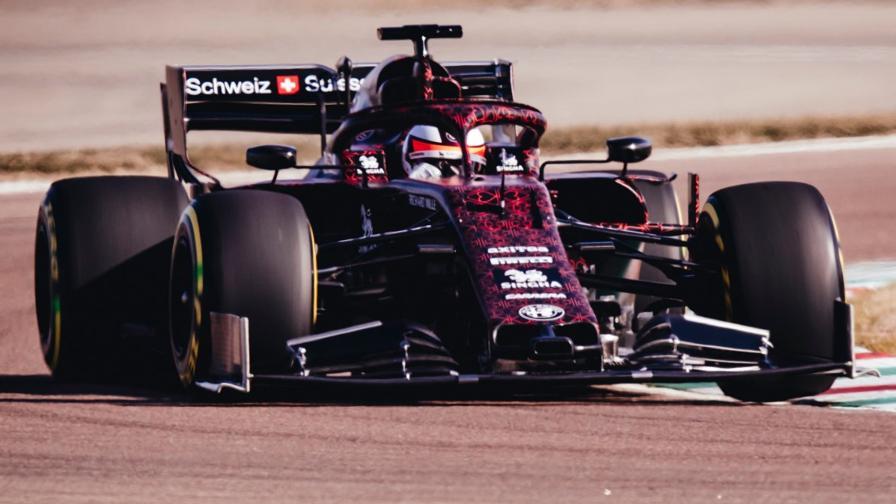 9624d2627390 La livrea quadrifoglio sull'Alfa Romeo che ha girato a Fiorano con Raikkonen