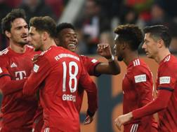 I giocatori del Bayern durante l'anticipo di Bundesliga. Afp