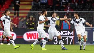Il Brescia si salva nel recupero contro il Palermo. Lapresse