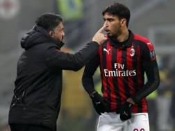 Lucas Paquetà, 21 anni, centrocampista del Milan, con Rino Gattuso, 41, tecnico rossonero. Ap