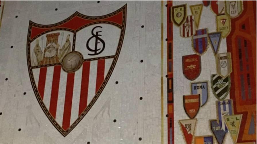 Siviglia, confusione allo stadio La Lazio diventa... La Roma!