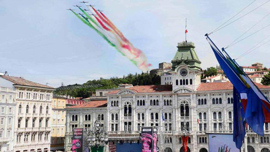 Calendario Frecce Tricolore 2020.Con Le Frecce Tricolori Si Vola Gia Al Giro 2020