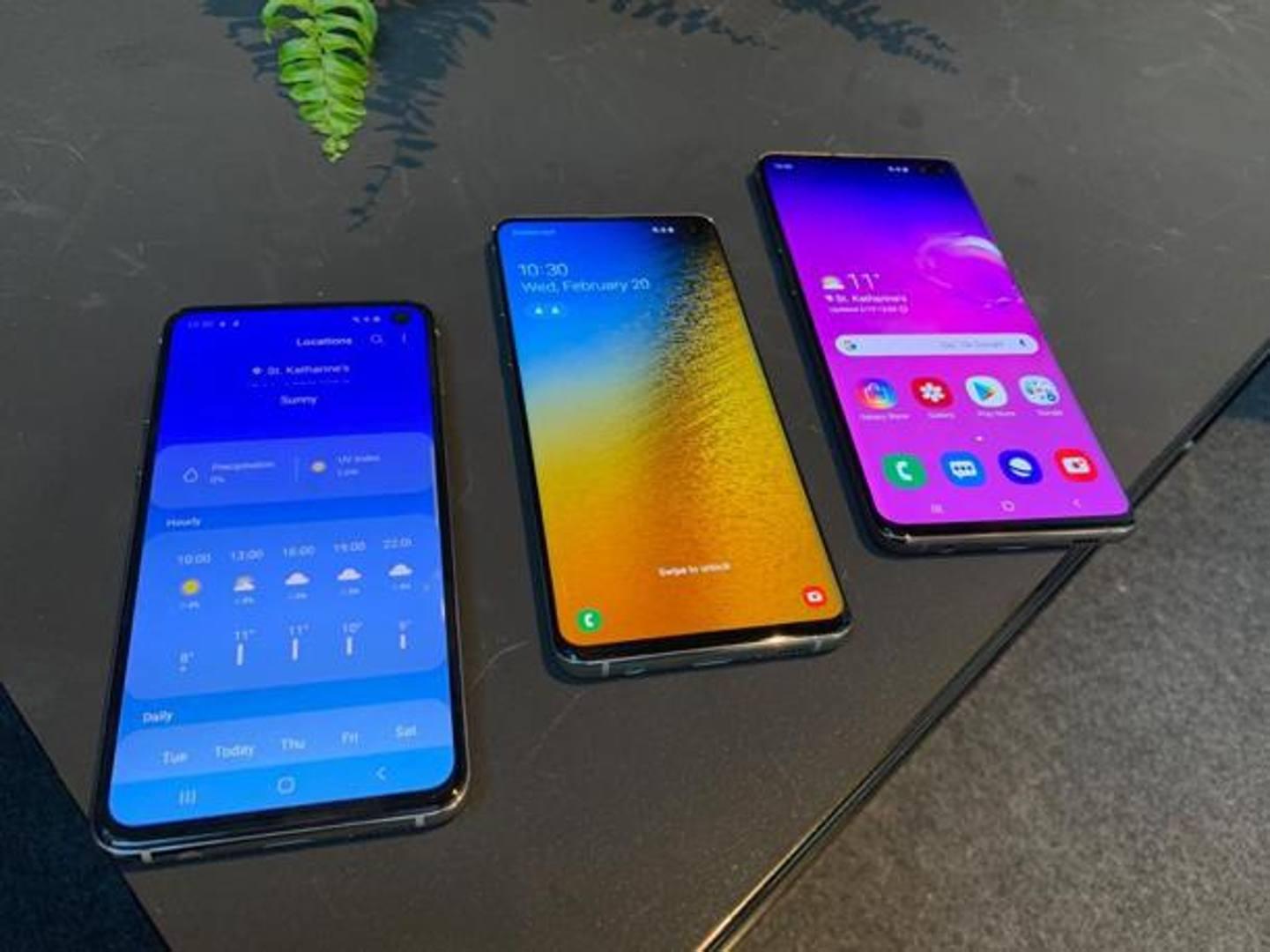 Samsung ha presentato il nuovo top di gamma, il Galaxy S10. Sono tre le varianti: S10e, S10 e S10+. Sarà in vendita dall'8 marzo ma i modelli sono già preordinabili