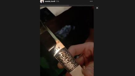 Il coltello personalizzato regalato a Mauro Icardi