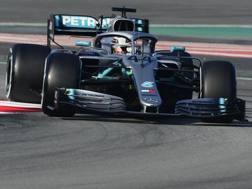 Hamilton in pista al Montmelò. Afp