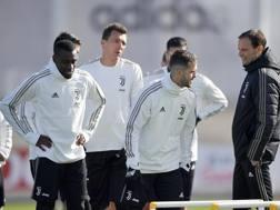 Massimiliano Allegri, 51 anni, durante un allenamento con la Juventus. Getty