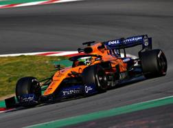 Lando Norris, 19 anni, al volante della McLaren-Renault durante i test a Montmelò GETTY IMAGES