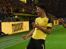 Sancho esulta dopo il gol del 2-1 sul Leverkusen. Afp