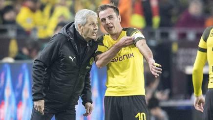 Mario Götze, 26 anni, e il tecnico del Borussia Dortmund Lucien Favre, 61: capitano qui contro il Leverkusen domenica scorsa