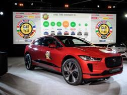 La Jaguar I-Pace premiata a Ginevra. Afp