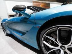La fiancata della McLaren 720S Spider.Ap