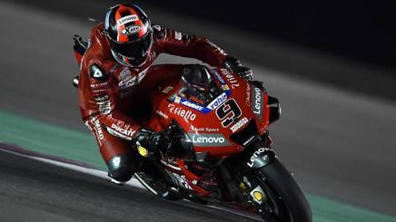 Danilo Petrucci in sella alla Ducati. Ciamillo e Castoria