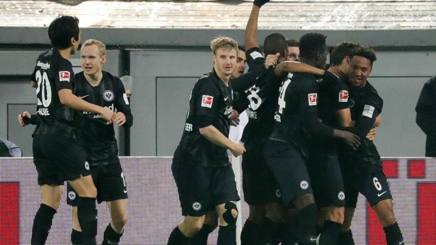 L'esultanza dell'Eintracht. EPA