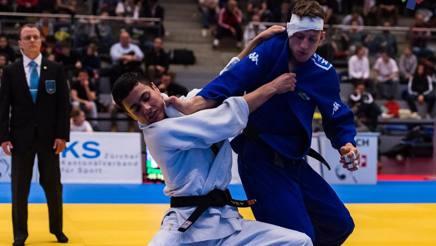 Mattia Miceli in azione nella finale contro l'olandese Verhorstert