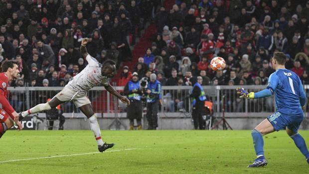Sadio Mané di testa firma il 3-1. Ap