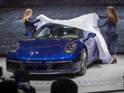 La presentazione della Porsche 911 Cabriolet al salone di Ginevra. Ap