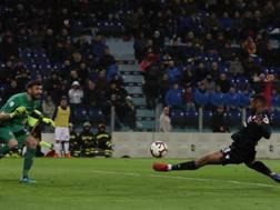 Il gol dell'1-0 di Joao Pedro. Ansa