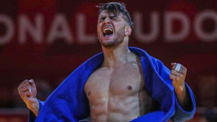 L'esultanza di Fabio Basile per il podio di Ekaterinburg