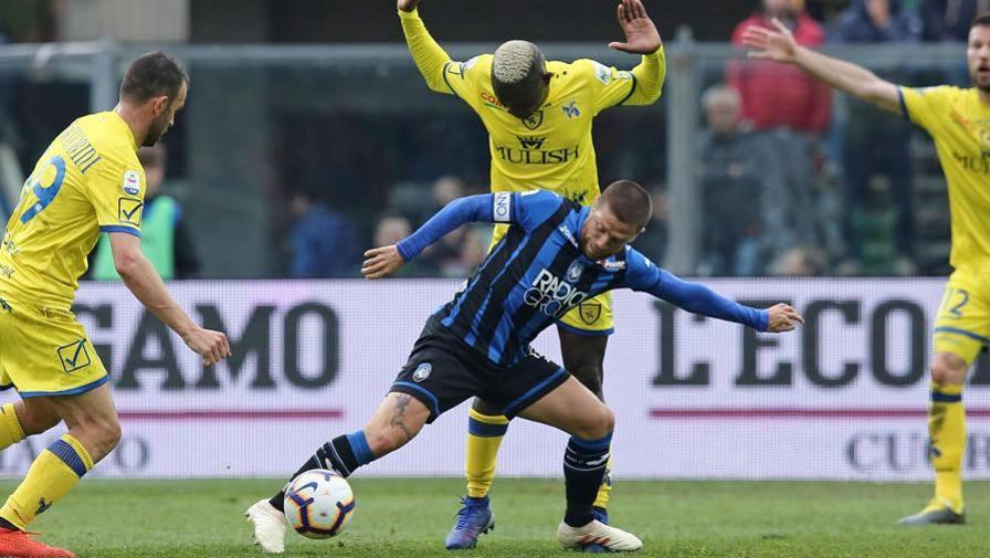 Destro di Ilicic: palla in curva LIVE Atalanta-Chievo 0-1