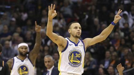 Steph Curry trascinatore dei Warriors. AP
