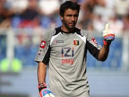 Sebastien Frey, 39 anni, quando vestiva la maglia del Genoa. Ansa