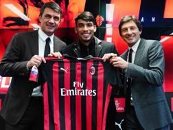 Leonardo alla presentazione di Lucas Paquetà, al centro, con Paolo Maldini. LaPresse
