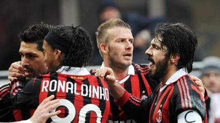 Il Milan 2009/2010 esulta dopo un gol