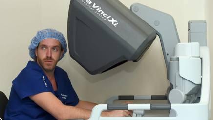 Il chirurgo Antonio Darecchio.