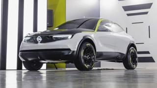 Le linee di domani con l'Opel GT X Experimental