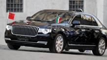 L'auto con Xi Jinping arriva  in piazza Montecitorio. Ansa