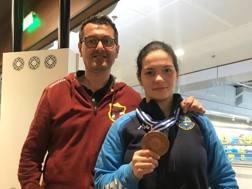 Anna Fortunio con la medaglia di bronzo e con il suo coach, Gianfranco Pizzimenti