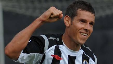 Mario Frick, 44 anni, con la maglia del Siena. Ansa