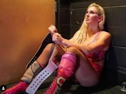 Charlotte Flair, otto volte campionessa femminile