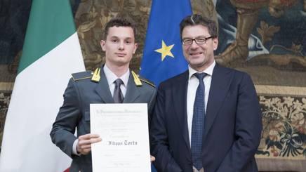 Filippo Tortu con Giancarlo Giorgetti, sottosegretario alla Presidenza del Consiglio