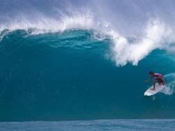 Una spettacolare immagine di un surfista a Oahu, Hawaii. Afp