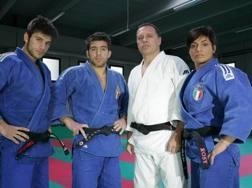 Marco Maddaloni con il fratello Pino olimpionico a Sydney, il padre Gianni e la sorella Laura