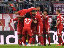 Il Bayern esulta dopo il gol. Getty