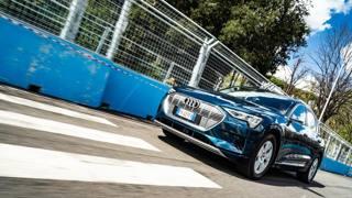 Audi E-tron sul circuito della Formula E di Roma 1